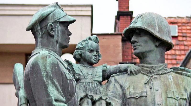 памятники советских солдат